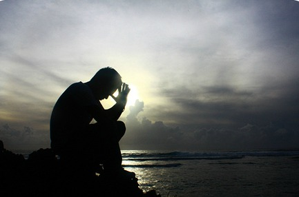 man-praying-silhouette1