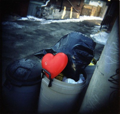 heart-in-trash